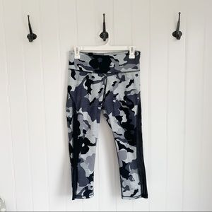 Old Navy Camo Mesh Cropped Leggings